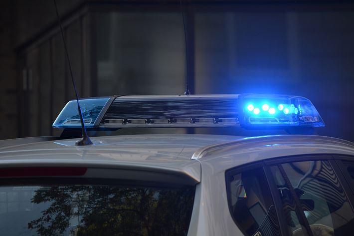 В Ленинградской области по горячим следам полицейские задержали телефонного хулигана